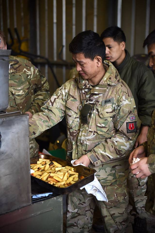 Army Reserve chefs train alongside Regulars using the field kitchen on a menu challenge